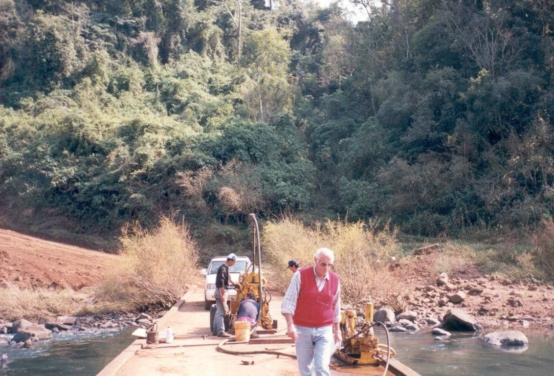 Macizo Puente Arroyo Yaboti. Ruta Prov.N2 Saltos Mocona
